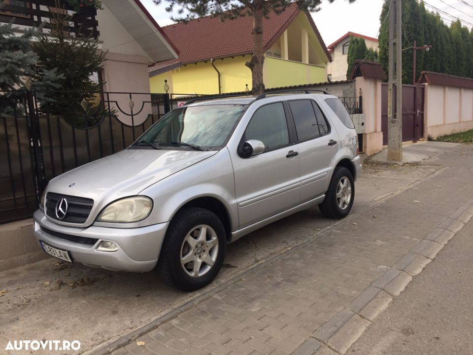 Mercedes-Benz M ML - 13