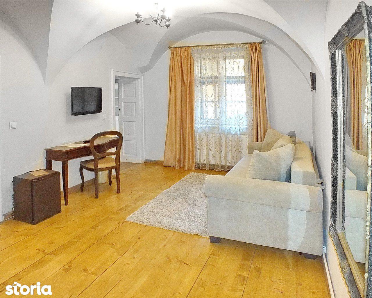 Casa de vanzare, Brașov (judet), Piața George Enescu - Foto 1