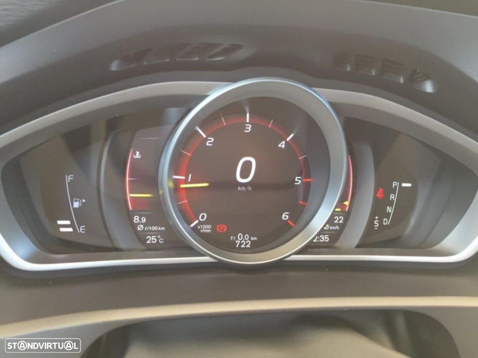 Volvo V40 2.0 d2 momentum geartronic - 19