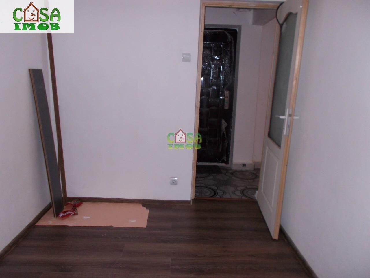 Apartament de vanzare, Dâmbovița (judet), Centru - Foto 10