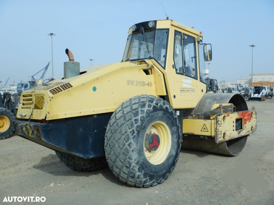 Bomag BW 211D -40 Cilindru compactor - 4