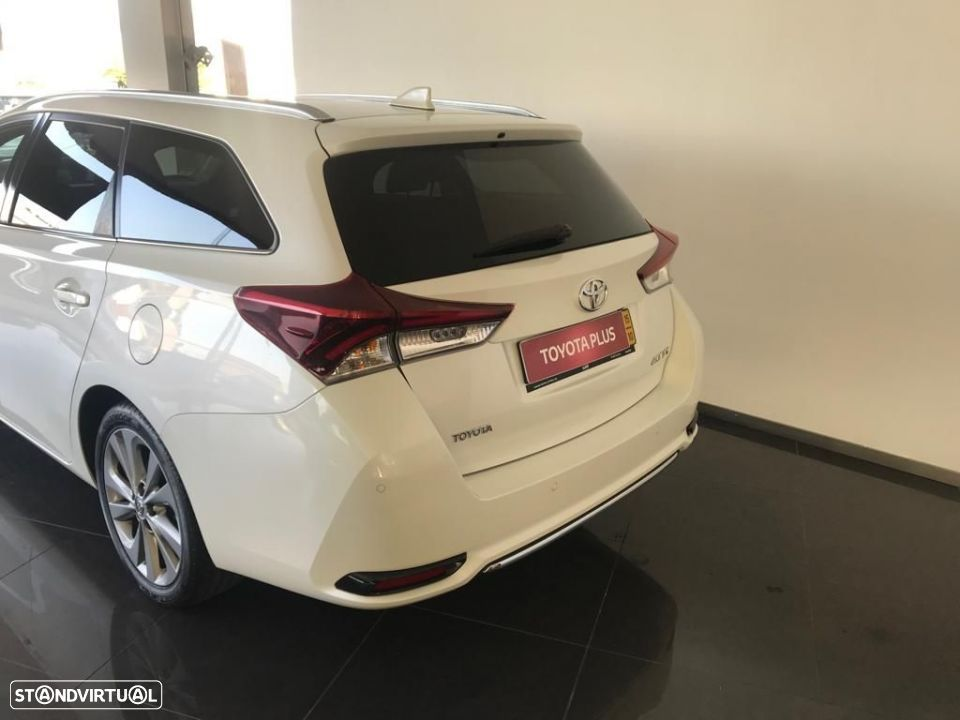 Toyota Auris Touring Sports 1.6D Exclusive Navi - 5