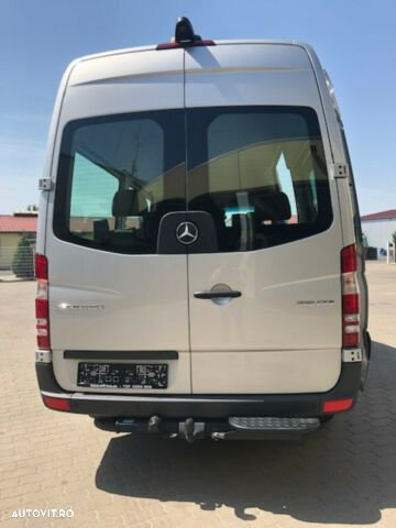 Mercedes-Benz Sprinter - 13