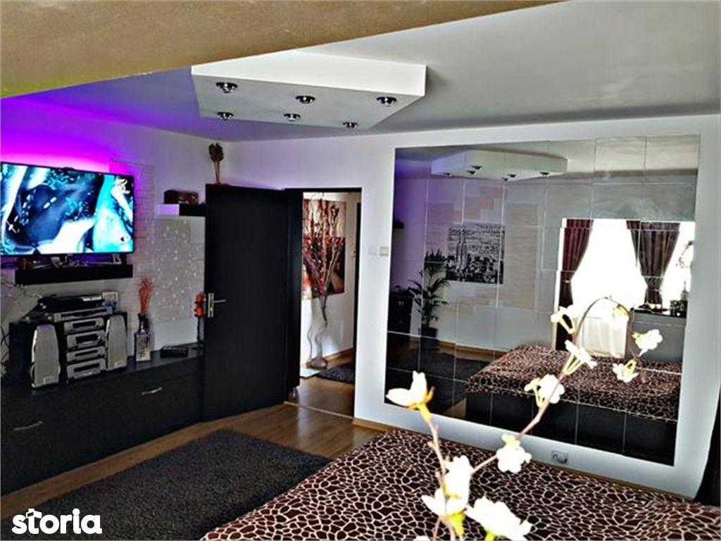 Apartament de vanzare, Argeș (judet), Strada Crinului - Foto 2