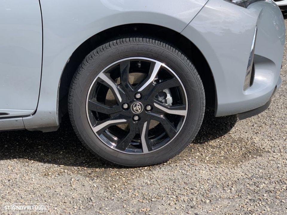 Toyota Yaris 1.5 Hybrid SQUARCollection Cement - 3