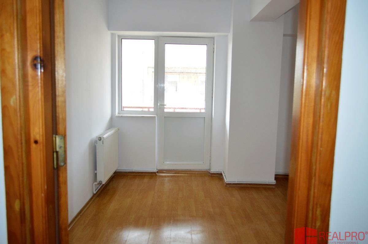 Apartament de vanzare, Argeș (judet), Banat - Foto 14