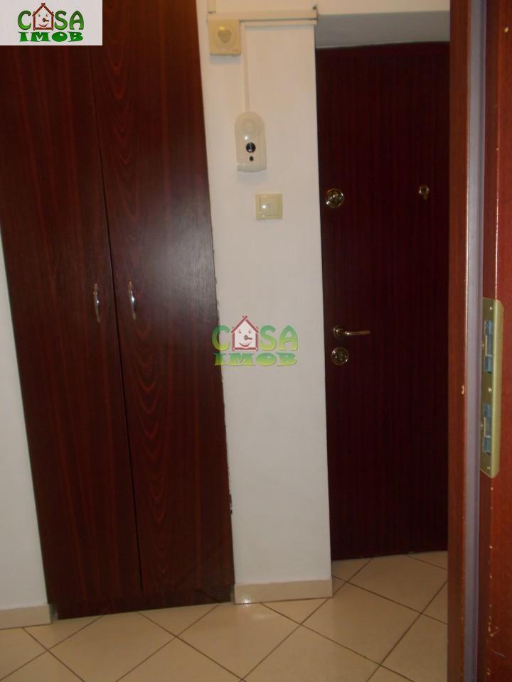 Apartament de vanzare, Dâmbovița (judet), Micro 9 - Foto 13