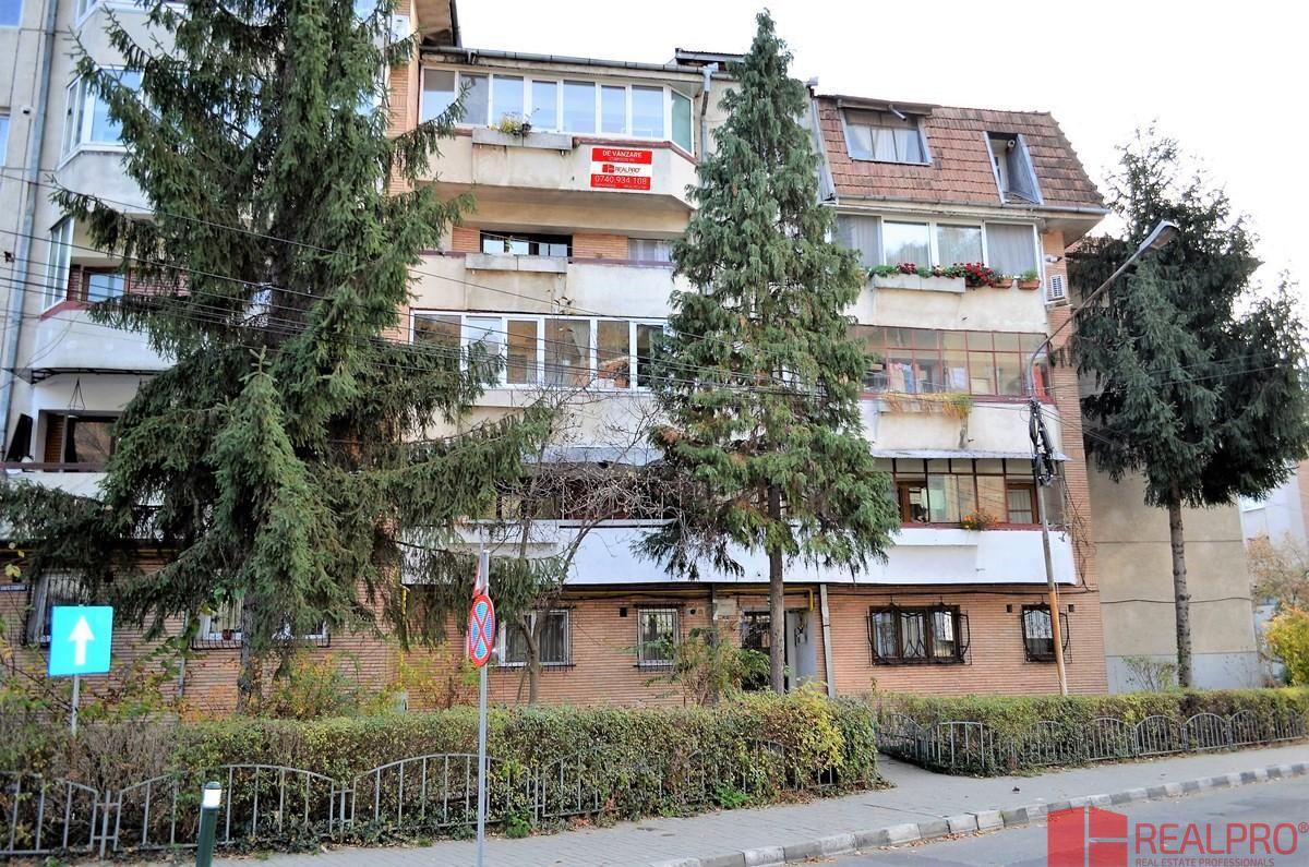 Apartament de vanzare, Vâlcea (judet), Strada Gabriel Stoianovici - Foto 1