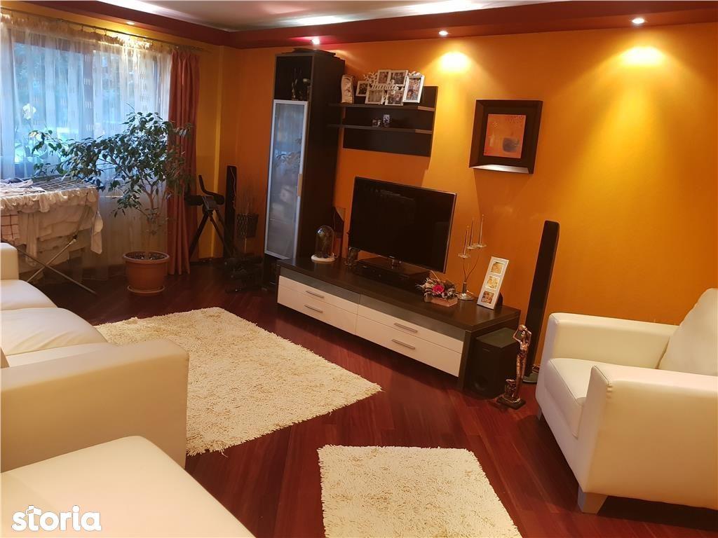 Apartament de vanzare, Argeș (judet), Strada Dacia - Foto 2