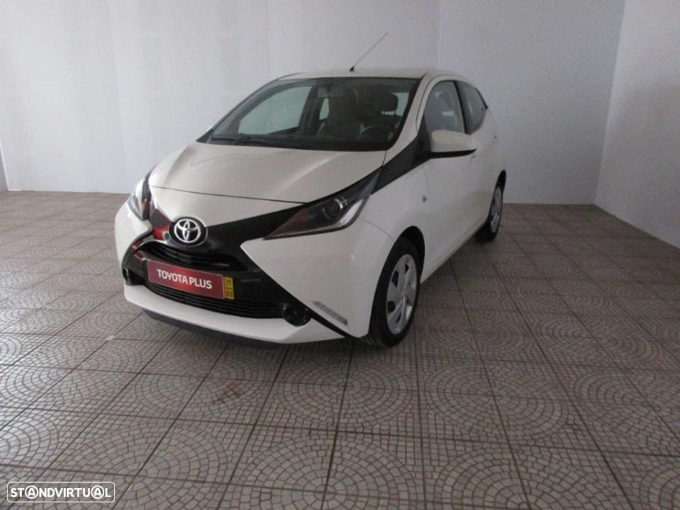 Toyota Aygo 5P 1.0 x-play + AC + x-touch - 1
