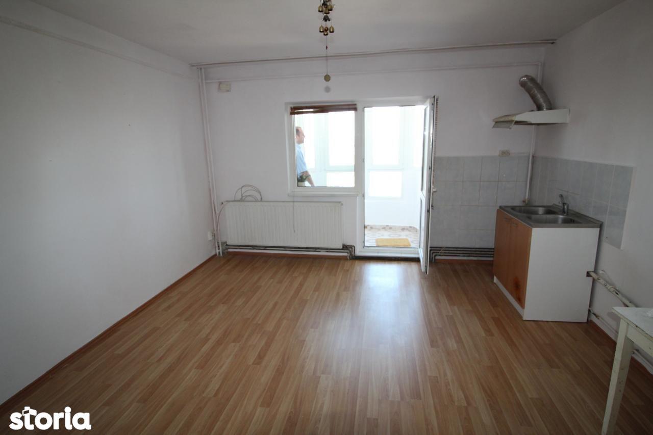 Apartament de vanzare, Bacău (judet), Centru - Foto 3