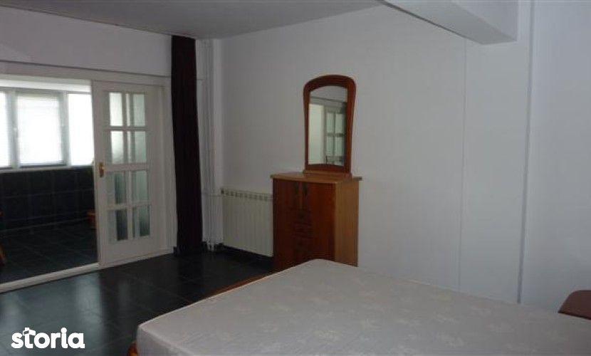 Apartament de inchiriat, Prahova (judet), Strada Vasile Lupu - Foto 1