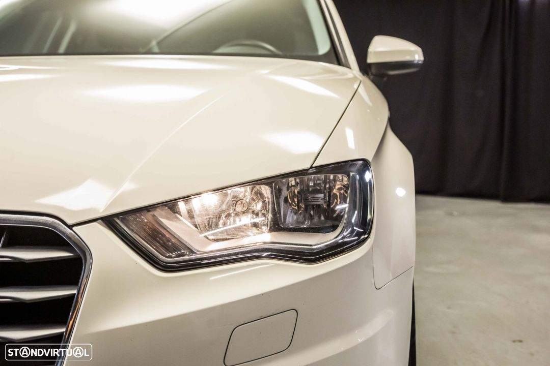 Audi A3 Limousine 1.6TDI M6 Attraction Pack - 16