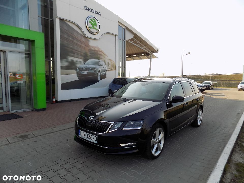 Škoda Octavia 2,0 TDI STYLE 4x4 DSG Alcantara Full Led Mode Select Kessy Sunset - 32