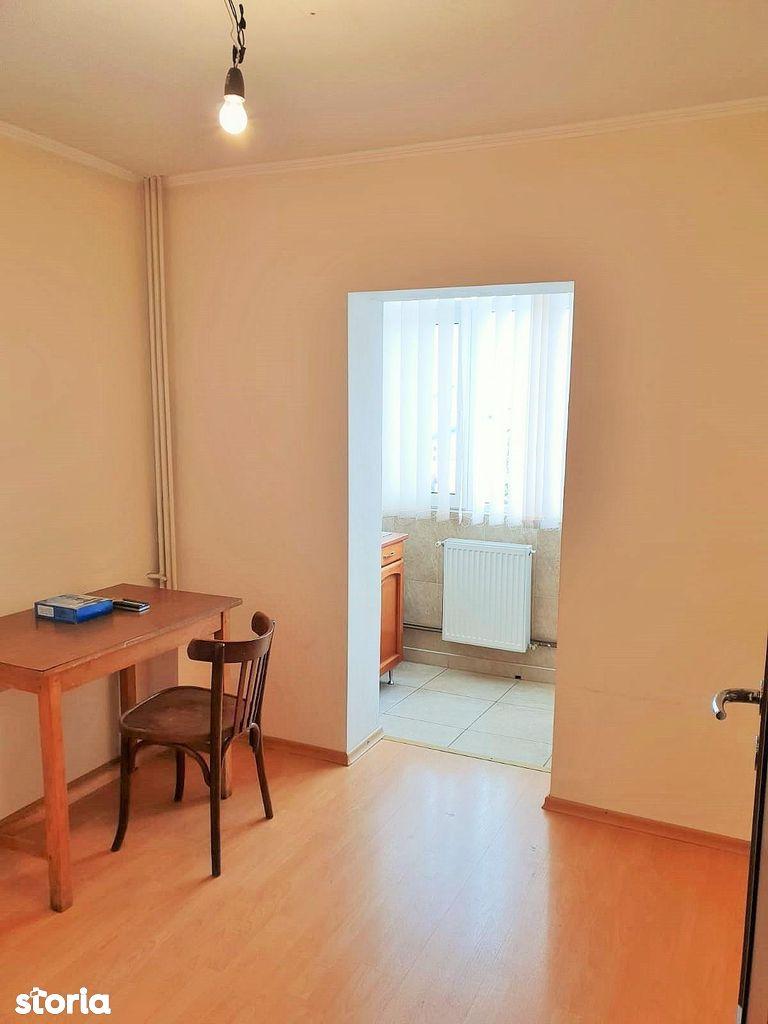 Apartament de vanzare, Argeș (judet), Traian - Foto 6