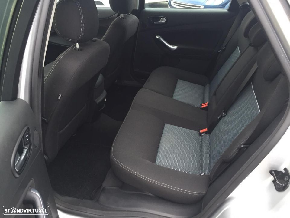 Ford Mondeo SW 1.8 tdci - 29