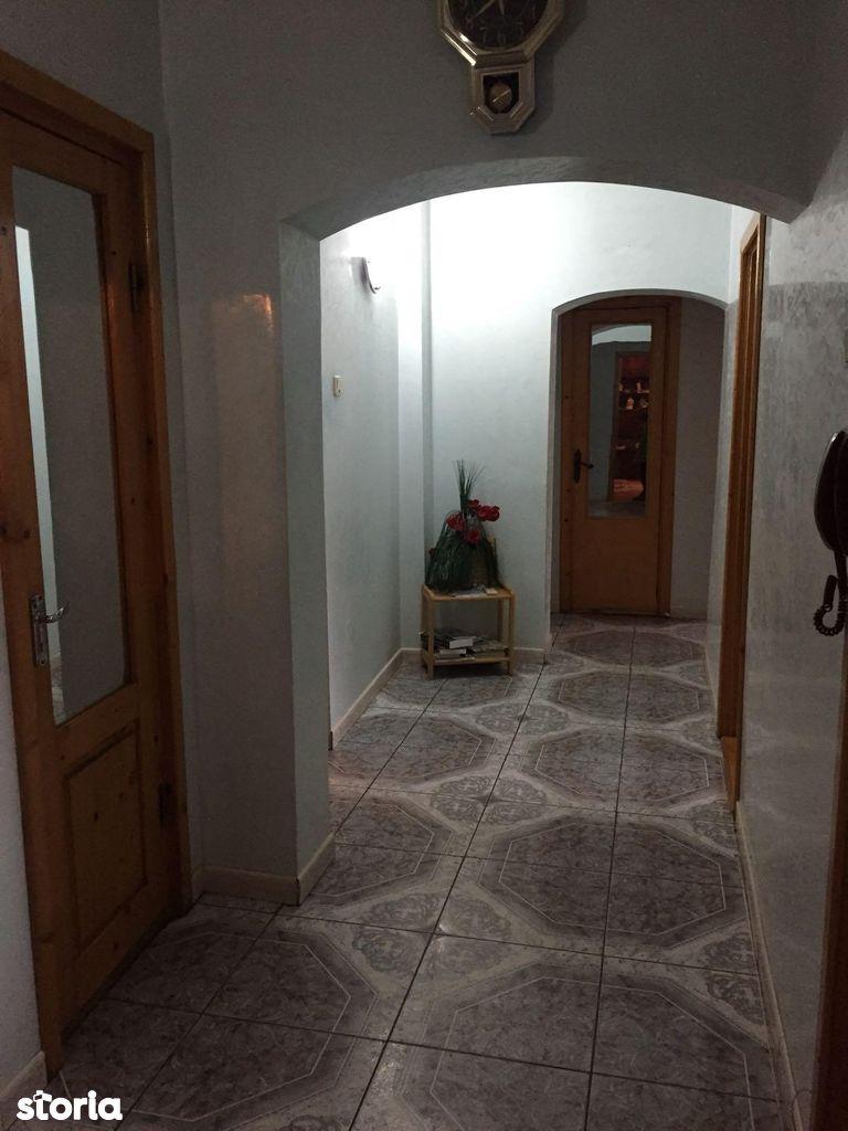 Apartament de vanzare, Galați (judet), Micro 17 - Foto 9