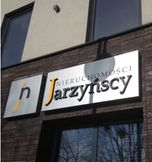 To ogłoszenie dom na sprzedaż jest promowane przez jedno z najbardziej profesjonalnych biur nieruchomości, działające w miejscowości Lubliniec, lubliniecki, śląskie: Nieruchomości Jarzyńscy
