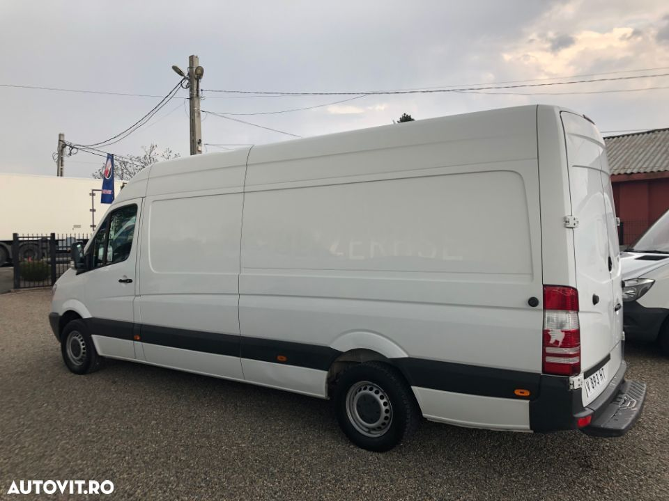 Mercedes-Benz Sprinter - 2