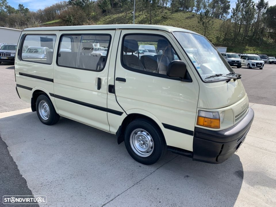 Toyota HiAce 2.4 D H15 9 lugares - 3