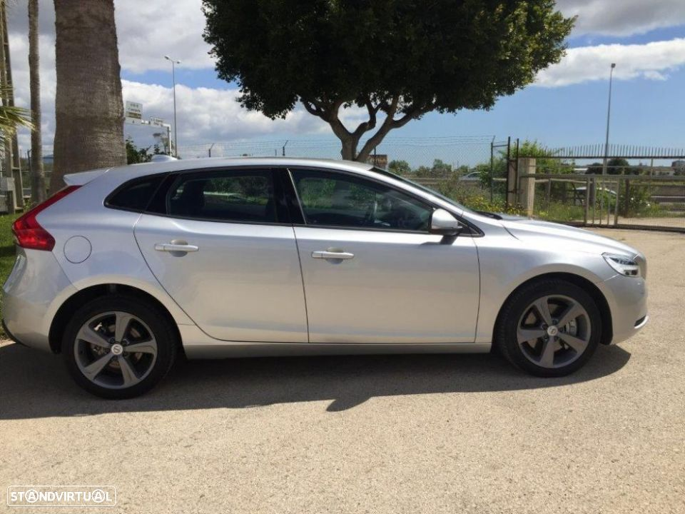 Volvo V40 2.0 d2 momentum geartronic - 7