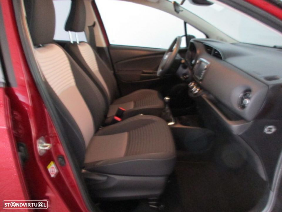 Toyota Yaris 1.0 5P SQUARE Collection - 10