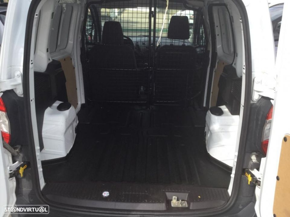 Ford Transit Courier - 6