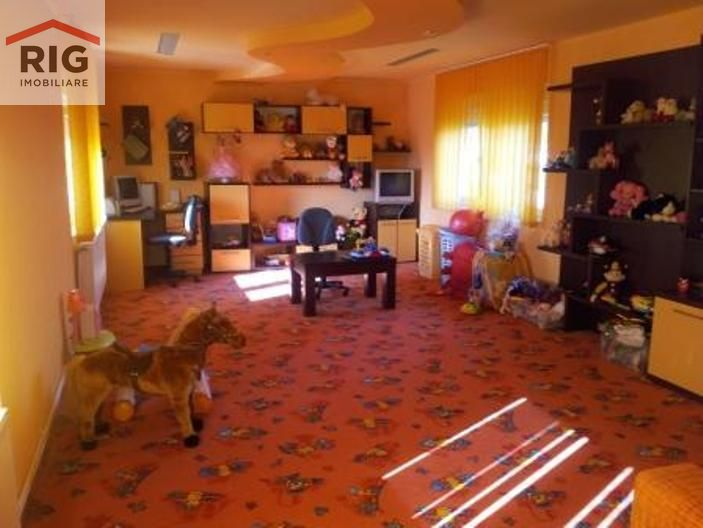 Casa de vanzare, Arad, Aradul Nou - Foto 4
