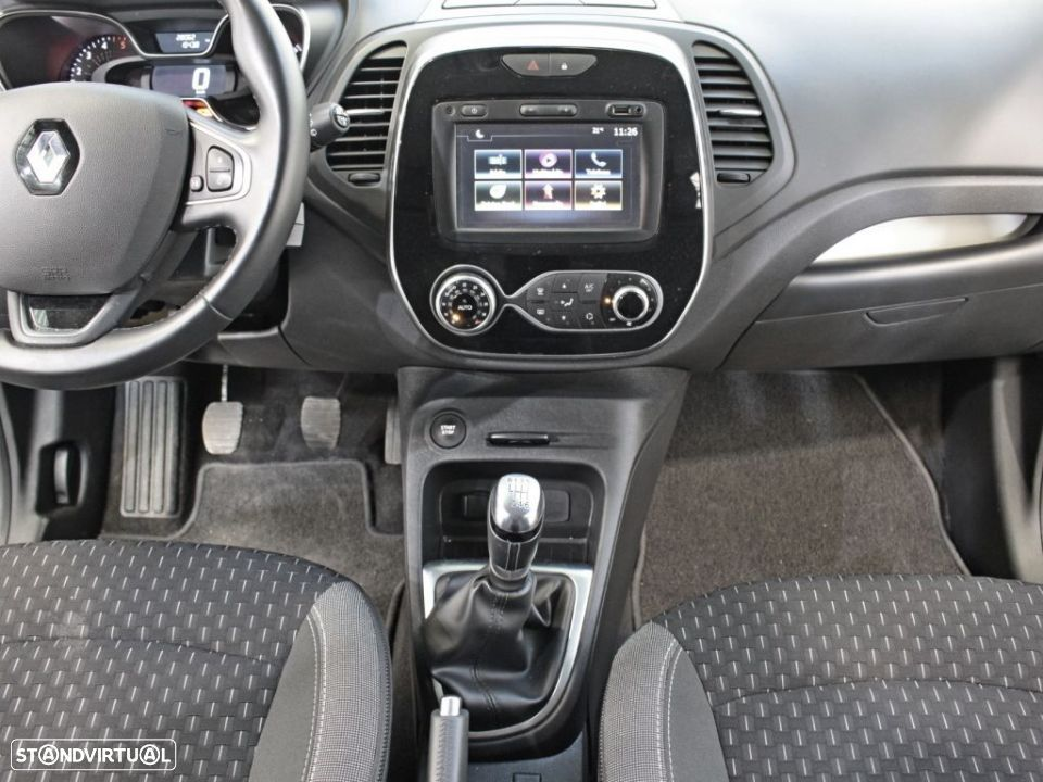 Renault Captur 1.5 dCi 110 Energy Exclusive - 24