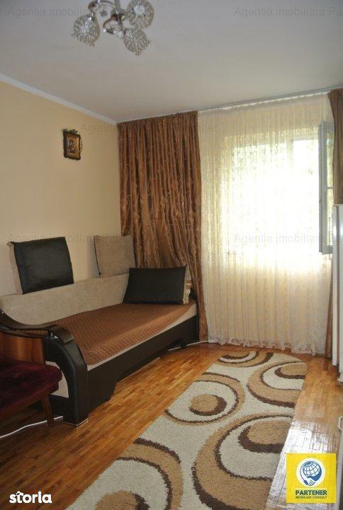 Apartament de vanzare, Argeș (judet), Războieni - Foto 1