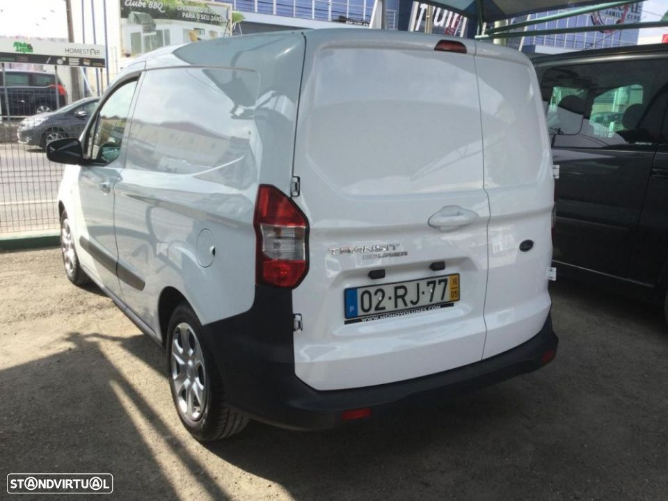 Ford Transit Courier - 7