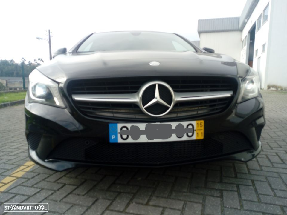 Mercedes-Benz CLA 200 Shooting Brake - 23
