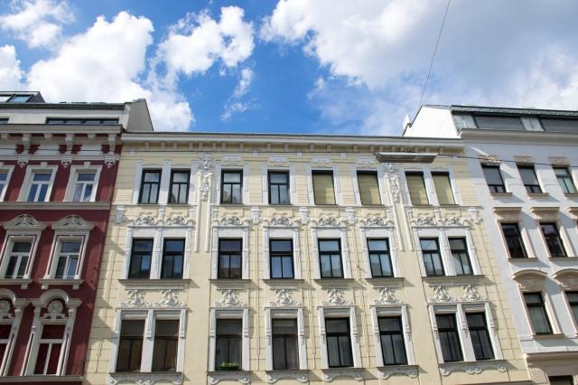 Odstraszająca rudera czy apartament – mieszkanie w kamienicy