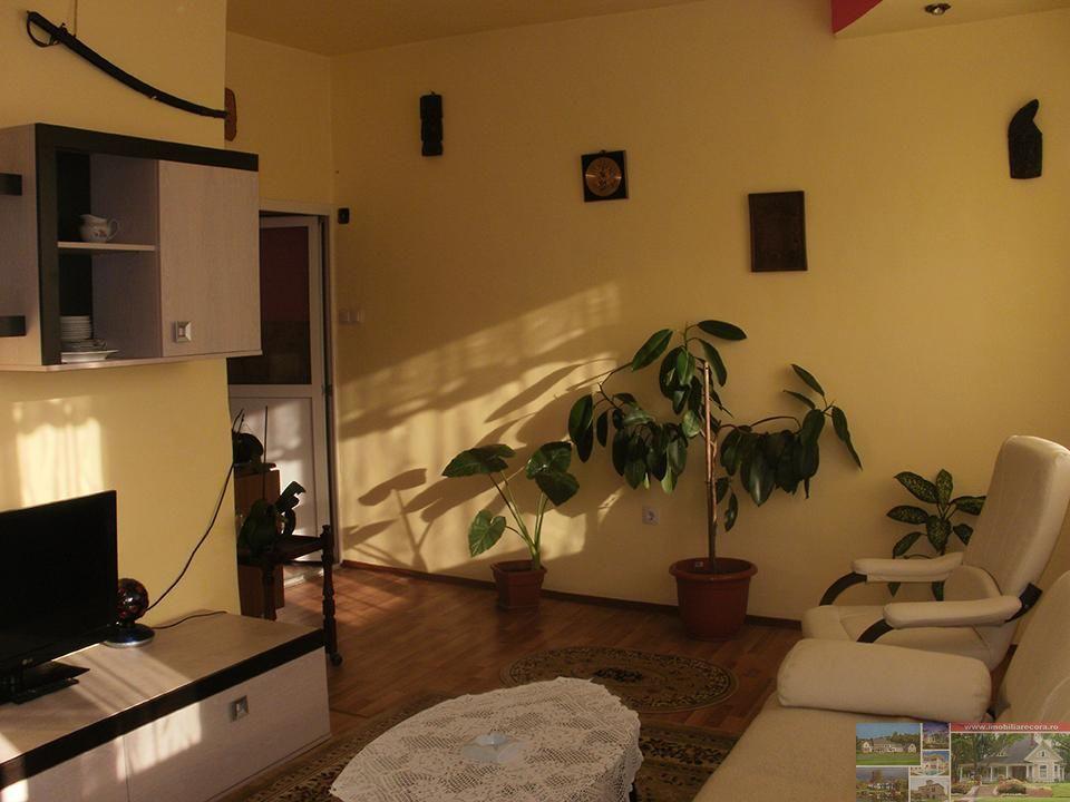 Apartament de vanzare, Bihor (judet), Strada Spartacus - Foto 1