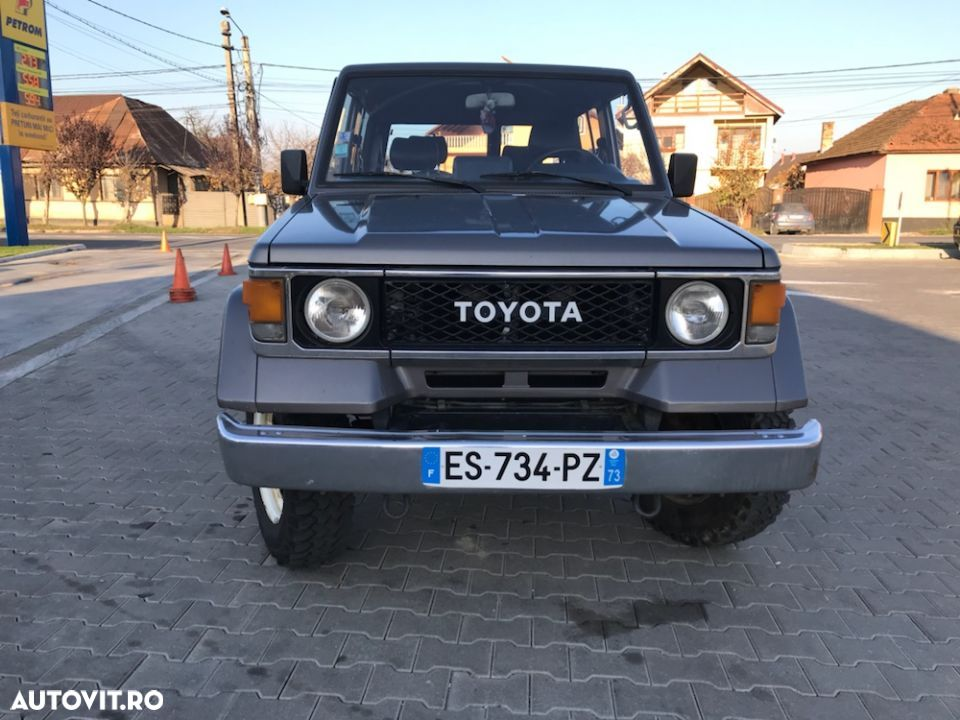 Toyota Land Cruiser - 2