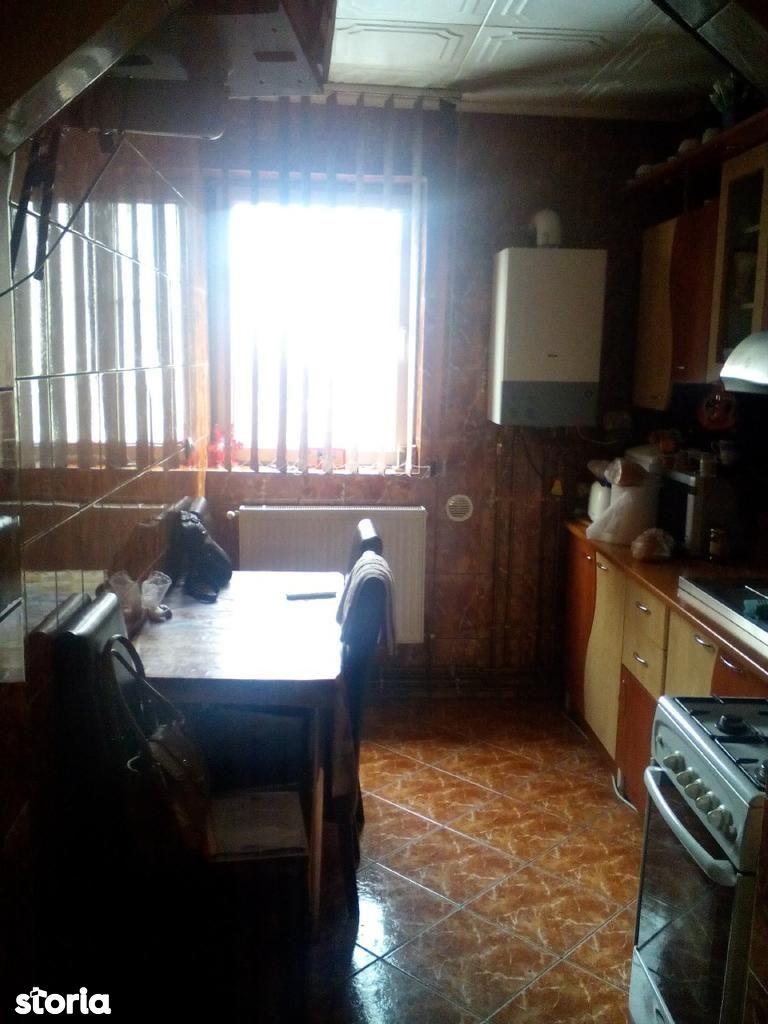 Apartament de vanzare, Maramureș (judet), Strada Florilor - Foto 5