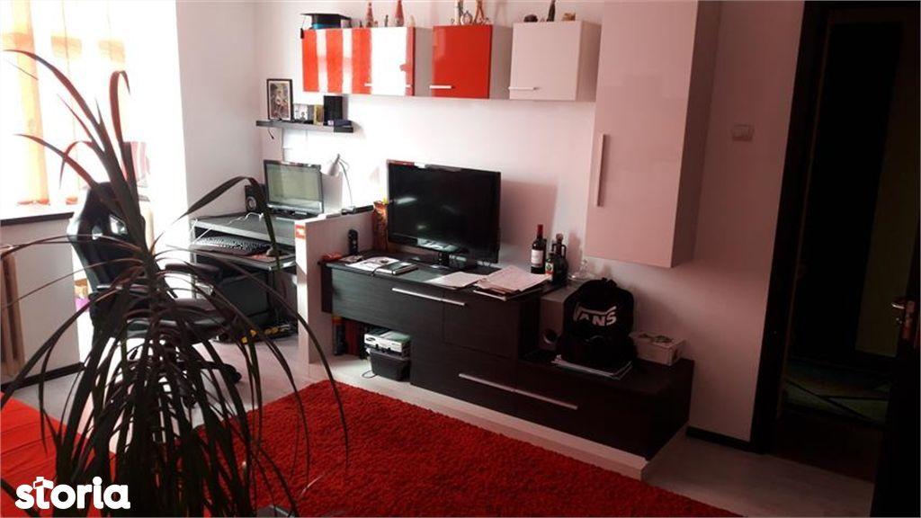 Apartament de vanzare, Argeș (judet), Strada Buna Vestire - Foto 1
