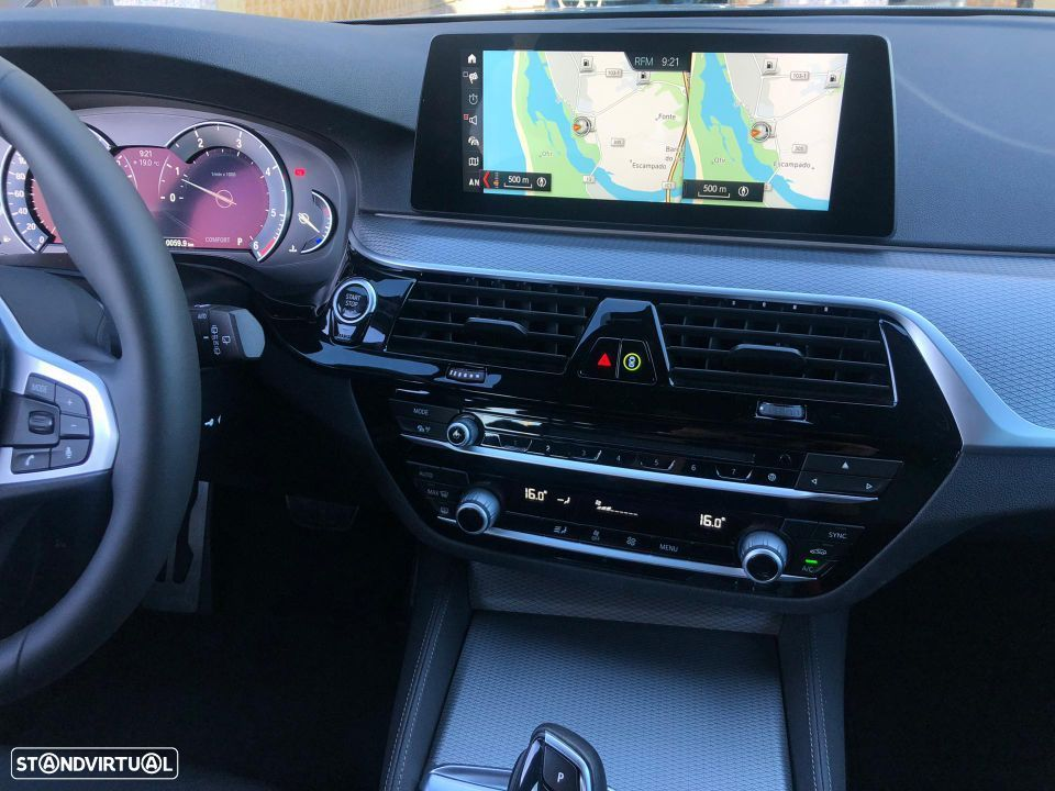 BMW 520 d Touring Pack M - 30