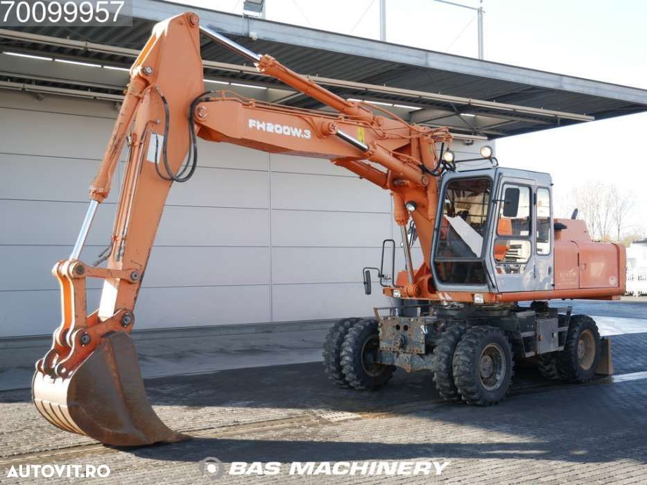 Hitachi FH 200-3 Nice and clean condition - good tyres - 1