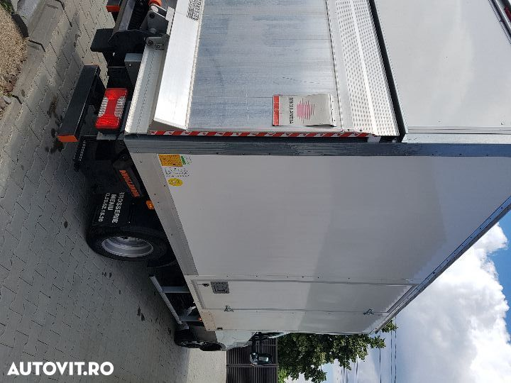 Iveco daily  cu lift - 6