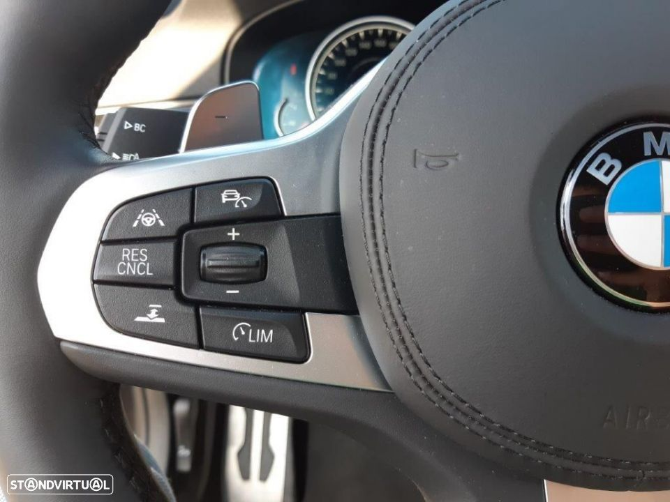 BMW 530 d Touring Auto Pack M - 8