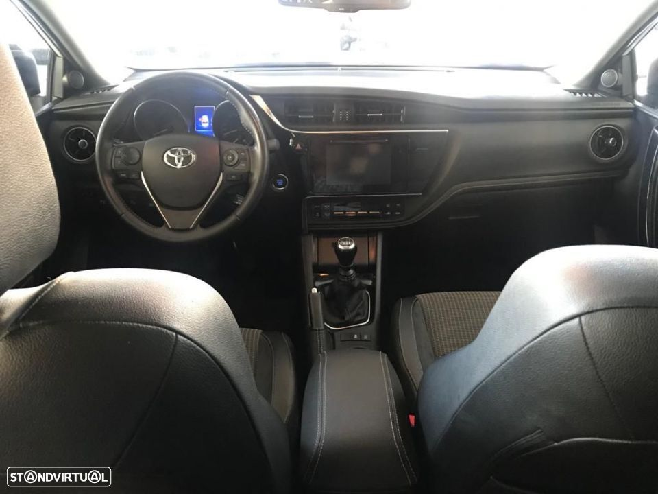 Toyota Auris Touring Sports 1.6D Exclusive Navi - 16