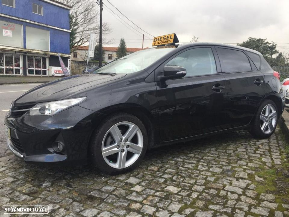 Toyota Auris 1.4 D-4D Exclusive - 1
