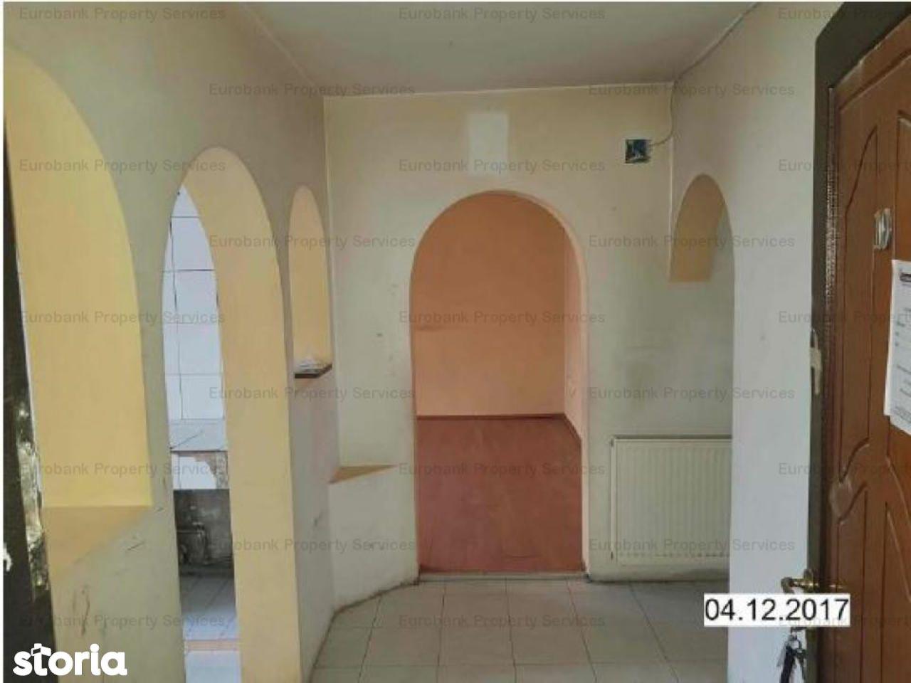 Apartament de vanzare, Vâlcea (judet), Strada Gib Mihăescu - Foto 3