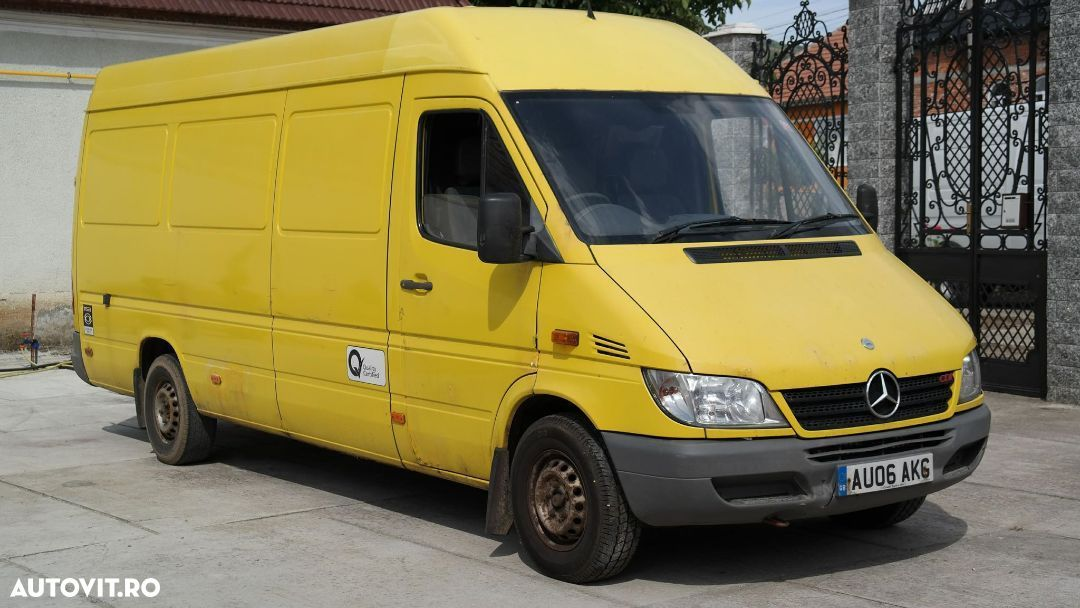 Mercedes-Benz Sprinter - 1
