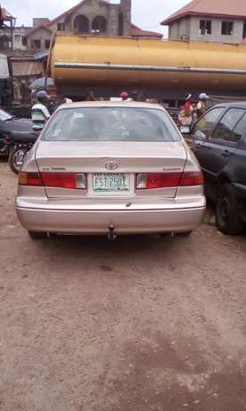Toyota Camry 2002 model Akure South - image 3