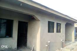 Newly built 100k mini flat to let in Agbede