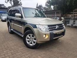 2010 Mitsubishi Pajero Super Exceed with Genuine Low Mileage