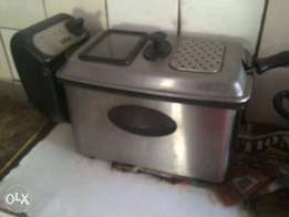 4lt fryer for sale still works perfectly only R300