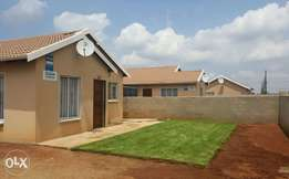 3bedrooms 1bathrooms house in Cosmo City for R5000 plus Deposit